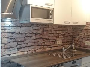 A kitchen or kitchenette at 30 qm in Oberreitnau