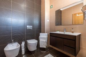 A bathroom at Marina Garden Albufeira