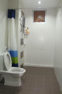 A bathroom at 3 Bedroom Condo @ NEAR SPICE ARENA