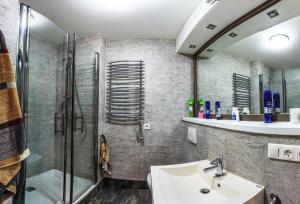 A bathroom at Экостудио на Печерске