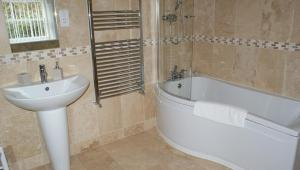 A bathroom at Laverick Steps