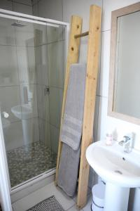 A bathroom at In Touch Seaview