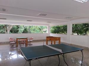 Ping-pong facilities at Apartamento L'Acqua or nearby