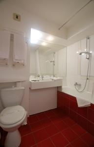 Ein Badezimmer in der Unterkunft Résidence Azur