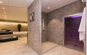 Salle de bains dans l'établissement Odalys City Paris Montmartre