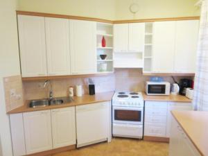 Majoituspaikan Two bedroom apartment in Kotka, Ruukinkatu 11 (ID 9016) keittiö tai keittotila