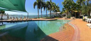 The swimming pool at or near Mariners North Holiday Apartments
