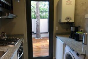 Una cocina o kitchenette en Departamento Drury