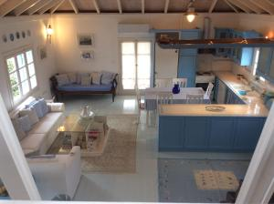 A kitchen or kitchenette at The Cottage with the View