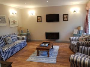 A seating area at Meynell Mews