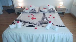 מיטה או מיטות בחדר ב-Polhouse Apartamenty