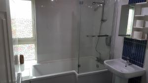 A bathroom at My Glasgow House Barrowland