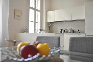 Kuchyň nebo kuchyňský kout v ubytování Apartment in the heart of Prague