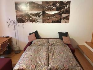 Ein Bett oder Betten in einem Zimmer der Unterkunft Ferienwohnung am Sonnseitweg