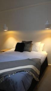 A bed or beds in a room at Capel Short-Stay Accommodation