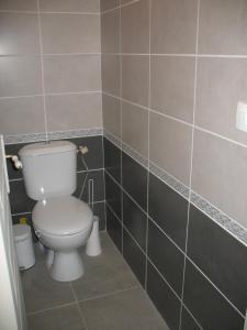 Salle de bains dans l'établissement Les Gites Du Chardon
