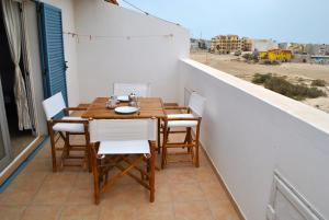 A balcony or terrace at Beach house Morada Mistral