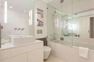 Salle de bains dans l'établissement Baixa Deluxe Apartments by Altido