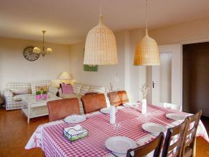 A restaurant or other place to eat at Beautiful House with Pool in Saint-Sulpice-d'Excideuil