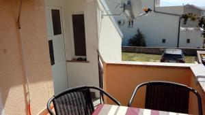 A balcony or terrace at Apartmani Seršić