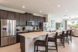 A kitchen or kitchenette at Encore Resort 3202 9 Bedroom Elite Water Park