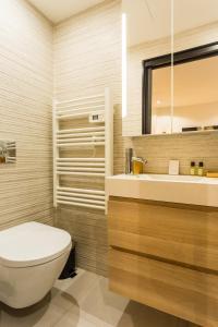 A bathroom at CMG Gambetta