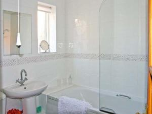 A bathroom at Church Cottage, Whitby