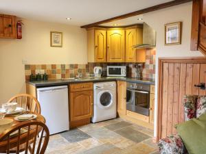 A kitchen or kitchenette at Crooks, Axbridge