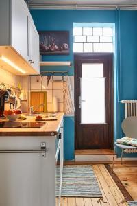 A kitchen or kitchenette at Hübsche ruhige Wohnung im Viertel