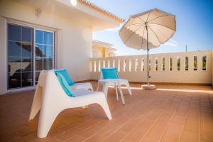 Ein Balkon oder eine Terrasse in der Unterkunft D03 - Luxury Gold Villa