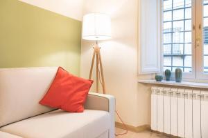 Uma área de estar em Hintown Via Della Rosa