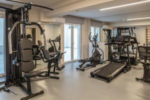 The fitness centre and/or fitness facilities at Olympus Residence