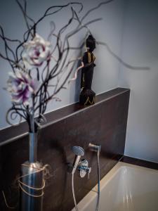 Ein Badezimmer in der Unterkunft Villa Dragona Dufti-Kuss