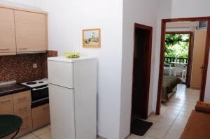 A kitchen or kitchenette at Villa Panagiota