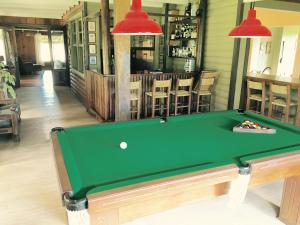 A pool table at Casarao