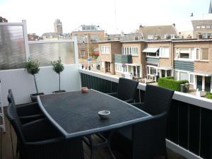 Appartementen aan den Hogeweg 발코니 또는 테라스