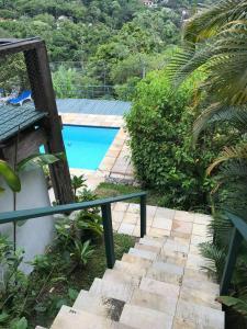 A view of the pool at Angra Portogalo Excelente Casa 5 quartos Vistão c/Piscina or nearby