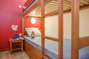 A bunk bed or bunk beds in a room at Résidence Pierre & Vacances Les Trois Domaines