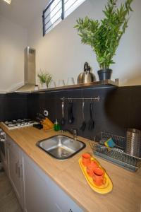 NOVA DOMUS S. PAOLO tesisinde mutfak veya mini mutfak