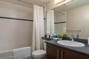 A bathroom at The Urban