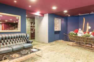 The lobby or reception area at Pierre & Vacances Andorra Pas de la Casa Alaska