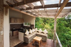 A seating area at Bella Kita Mountain Retreat & Spa