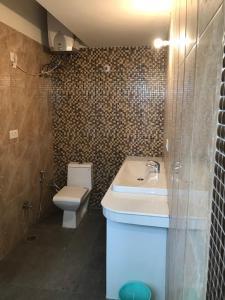 A bathroom at Sri Vrindavan Dham