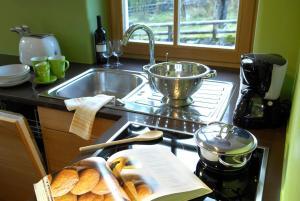A kitchen or kitchenette at Villa Tilia