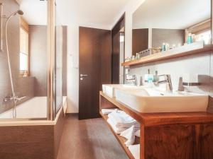 A bathroom at Chalet Nepomuk