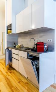 A kitchen or kitchenette at InSitu Formosa 178