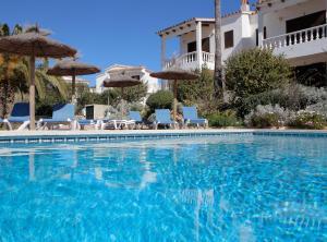 The swimming pool at or near Apartamentos Binibeca Mar