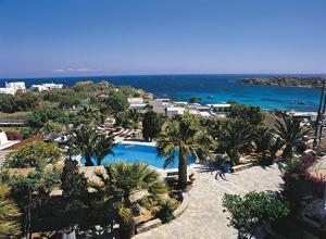 נוף של הבריכה ב-Zephyros או בסביבה