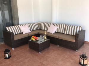 A seating area at Villa Estaca Luxury