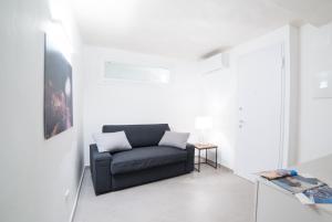 A seating area at 330 Holiday Apartments Manarola